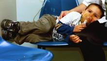 FRANK RODRIGUEZ:SAN JOSE (COSTA RICA), 06-06-00. Frank Rodríguez Arias, de 4 años, fue atendido esta mañana en el Hospital Nacional de Niños debido a un ataque de asma. El regreso del invierno y las lluvias traen consigo un gran aumento de niños que llegan a los servicios de emergencias de los hospitales nacionales con problemas respiratorios, gripe y diarrea. EFE/ACAN-EFE/LA NACION/ GLORIA CALDERON/MK.